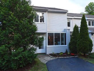 Fully Remodeled Townhome 5 min walk to **** entrance and Spa park