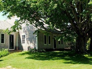 1823 Historic lake home, Private Suite