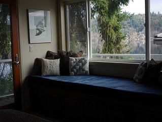 Petit Studio on Lake Sammamish near Microsoft and