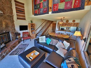 Spacious, Cozy, Garage, View, Vaulted Ceilings, Hot Tub  - 3BR, 3BA - Sleeps 8