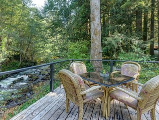 KATHY'S ROMANTIC, CLEAN AND SECLUDED RIVERFRONT KOTTAGE W/HOT TUB