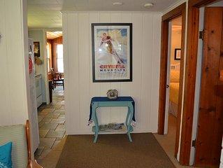 Crystal Lake Cottage & Guest Cottage