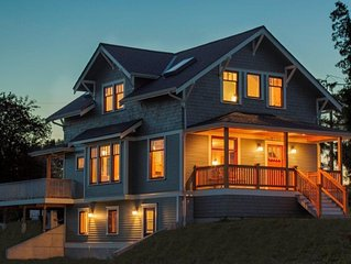 Beautiful Sunnyland Craftsman Home