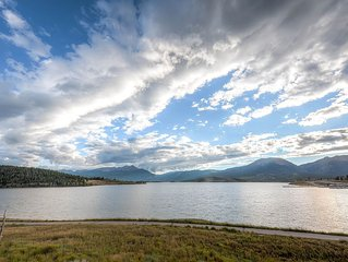 Marina Place With Beautiful Views Of Lake Dillon