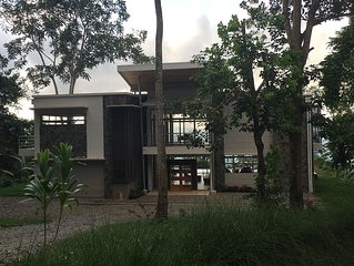 Beautiful Home High In The Rain Forest Surrounded By Wildlife And Natural Beauty