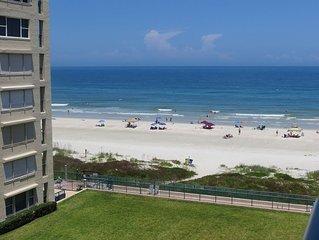 Beautiful Ocean view Condo on the Beach