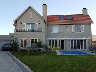 Spacious Family Home In Golf Estate - Sept-Oct 2021