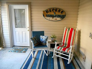 Bright And Cozy Two Room Unit,  Close To Beach And Sound -- Perfect  For Two!