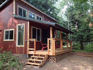 Beautifully Rennovated 2 Bedroom Cabin