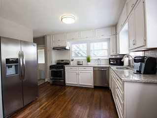 Spacious 2 Bed/2 Bath Renovated Apartment In M Streets Area