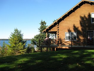 Family & Pet Friendly Log House On Casco Bay