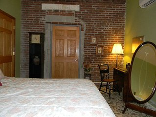 Large One Bdrm Condo In Historic Building- Many Outdoor Activities
