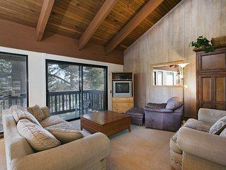 Roomy Condo with Nice Wooded Views Mammoth Point #135