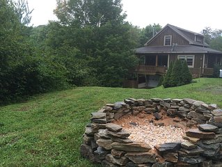 Secluded 5-Star Private Cabin with Views,  4BR