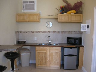 Rolle's Place Cabanas / Fresh Creek Newest Property on Andros! WiFi
