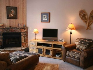 Silverthorne: Condo with Wifi, Fireplace, Pool, Sauna and Hot Tub