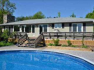 Tennis Court, Swimming Pool & Pond On 24 Rolling Acres Just 7 Km S Of Creemore