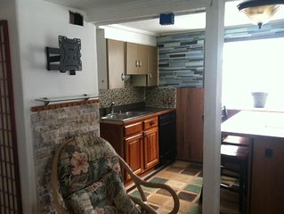 Cozy Cottage  w/ Hot Tub 3 miles from skier parking at Boyne.