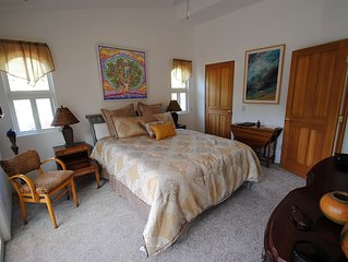 Two Beautiful Bedrooms & Private Patio with Morning Coffee & Tea Service