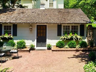 Historic Cottage in the Heart of Georgetown:  One block from Winyah Bay!