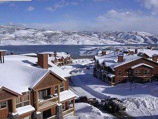Ski Deer Valley from Beautiful 2BR/2BA Condo 5 minutes from Deer Valley Gondola