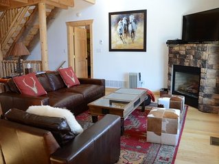Beautiful Mountain Cabin 3BD/3.5 Wonderful Views only 15 miles from Breckenridge