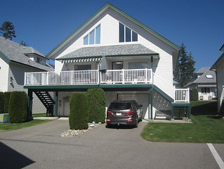 White Beach Mara Lake/Shushwap Lakefront Duplex with Loft and Garage & Internet