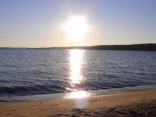 Comfortable family friendly situated on the shore of Munising Bay Lake Superior