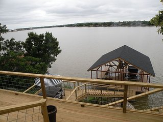 Private, Lake-Front, Guest Suite on Lake Granbury, near downtown!