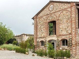 A 2 passi dal medioevo nel borgo antico di Lisignano magnifico appartamento