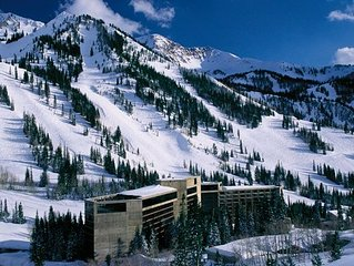 Snowbird Cliff Club - Ski In/Out Condo sleeps 10 - Feb 23 to Mar 2