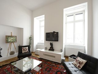 Designer Apartment In Historic Building