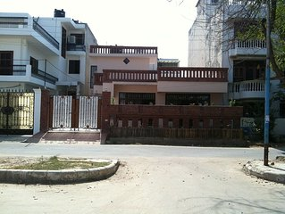 Spacious Fully Furnished Bungalow In Gurgaon, Minutes To Delhi Airport