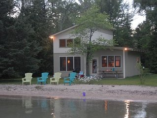 Charming Cottage On Beautiful Elk Lake