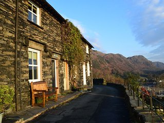 Holiday Cottage with Lake Views
