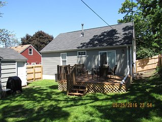2BR/1BA Home With Lovely Yard,  Walk To Shops & Restaurants, 10min To Dwtn Mpls