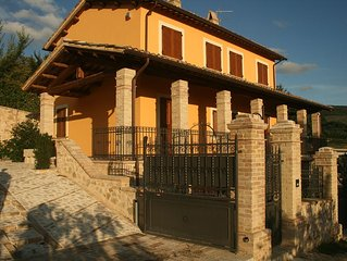 Old Country House and pool In Umbrian Hills Between Foligno And Assisi