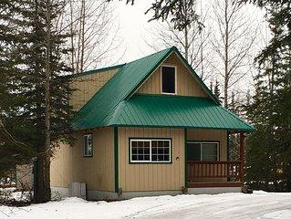 Super comfortable Alaska Cottage or Kitchenette.