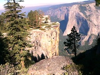 Located inside Yosemite National Park gates, an ideal base to explore Yosemite.