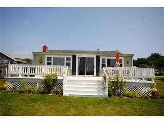 Private Beachfront Cottage **Currently available for long term winter rental !