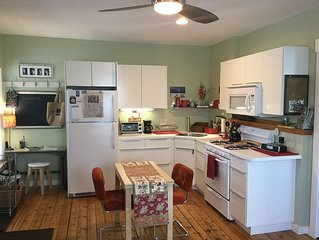 3rd night FREE during March and April! Lovely lakeside 1 BR apartment