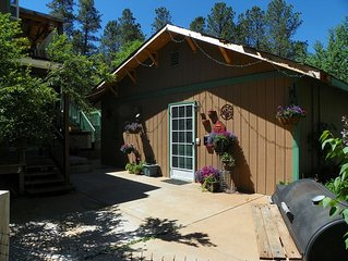 Cute Little Black Forest Cottage On 5 Acres, with hot tub, minutes away from AFA