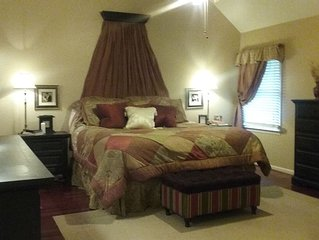 Price is Right!! 2 miles from Jordan Hare!  SLEEPS 10