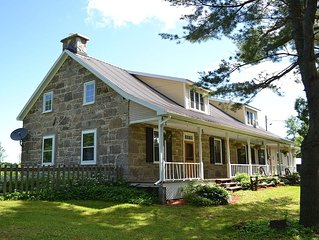Huntingdon - Elgin Luxury Farmhouse with POOL 1 hour from Montreal