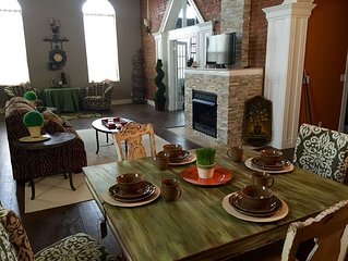 Historic Loft Close To Starved Rock State Park, Buffalo Rock Park, I&M Canal