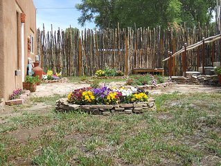 Artistically Designed Unique Home Within Walking Distance To The Taos Plaza