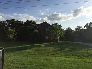 Newly Remodeled Aggieland rental with Acreage less than 6 miles to Kyle Field