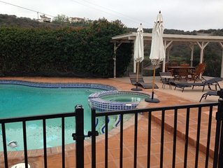4 Bedroom Home Pool And Jacuzzi Foot Of Mountains 30 Min From San Diego Beaches