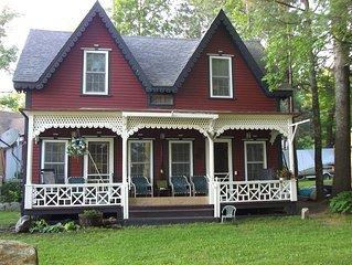 Restored 4 Bedroom Family Lakefront Cottage on Lake Sunapee in Blodgett Landing
