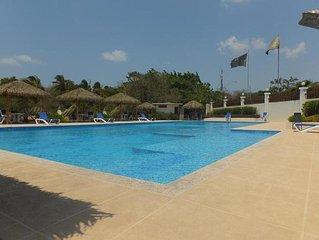 Gorgeous Apartment In A Condo Of Playa Coronado G